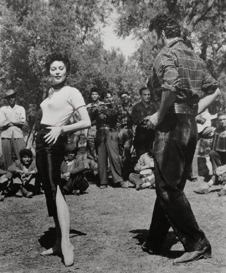 ava-gardner-bailando