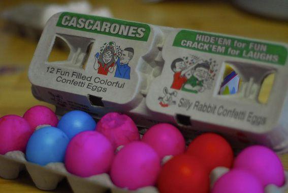 CASCARONES-EN-HUEVERA-CON-INSTRUCCIONES