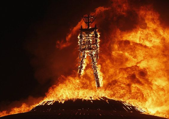 BURNING-MAN-FUEGO