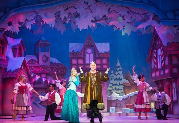 CHRISTMAS-PASADENA-THEATHER