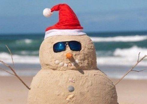 CALIFORNIA-CHRISTMAS-SNOWMAN