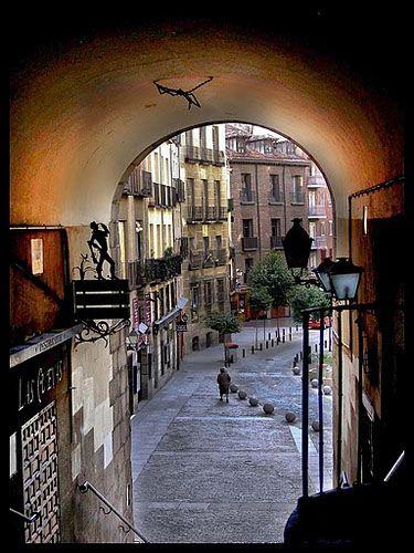 MADRID MAYOR ARCO CUCHILLEROS