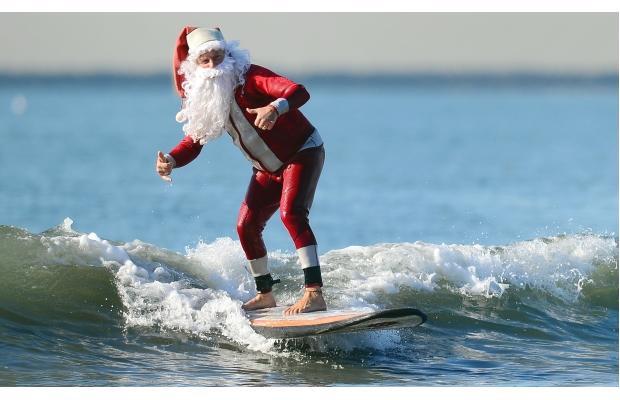 santa-surf